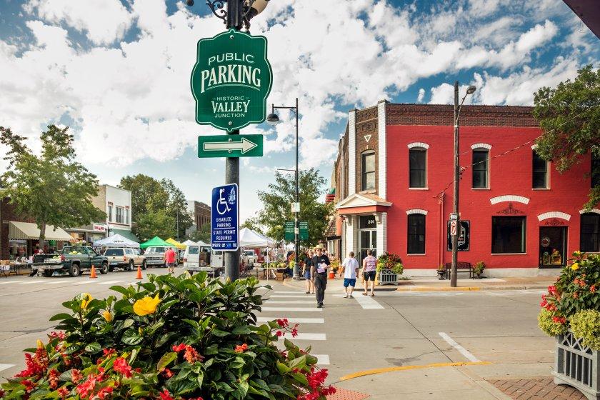 West Des Moines community image