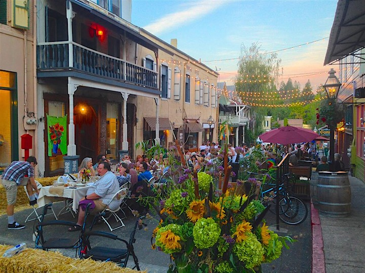 downtown nevada city outdoor dining